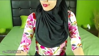 stockings,pussy,squirting,horny,orgasm,webcam,foot,arabian,arabic,arab,creamy,egypt,masturbates,hijab,hijabi
